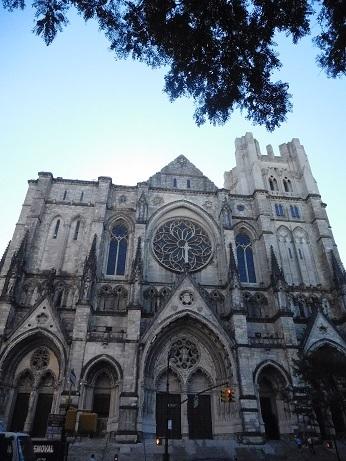 セントジョン・ザ・ディバイン大聖堂1.JPG